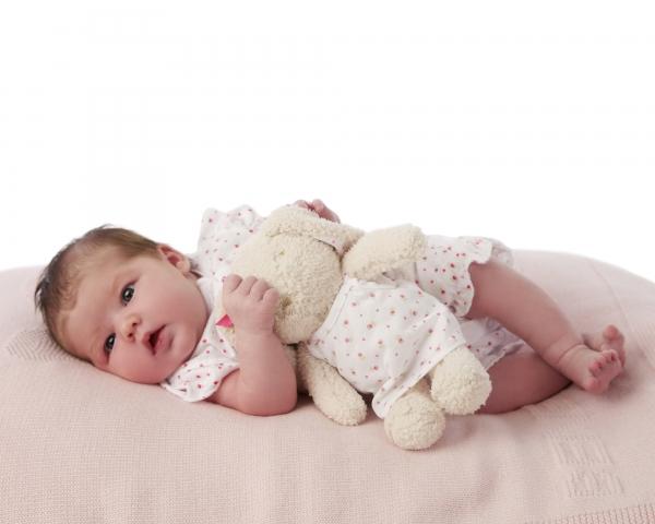 Newborn baby photos Photographer Tipperary Ireland Ni Riain photography