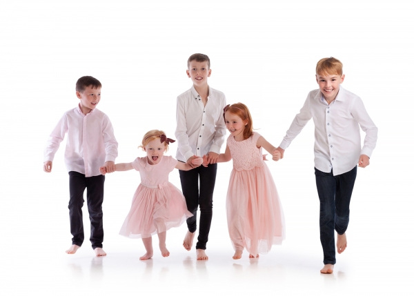 Children fun family photos Photographer Tipperary Ireland Ni Riain photography
