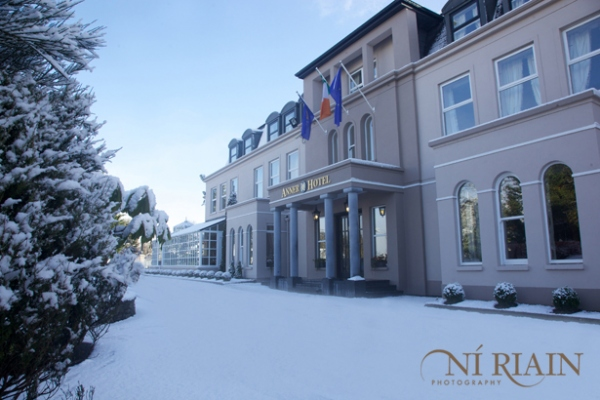 Anner-Hotel-Snow-Ni-Riain-photography-008
