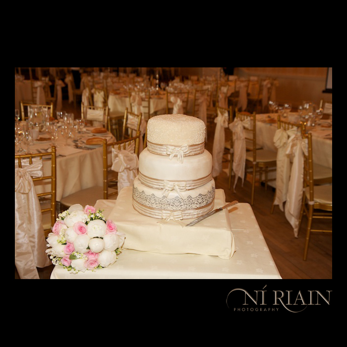 Wedding cake and ideas Dundrum House Hotel Tipperary Wedding affordable photographers Ni Riain photography